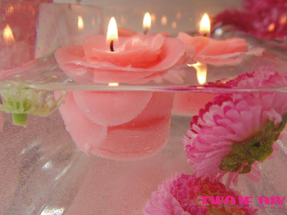 Pływające świeczki róże