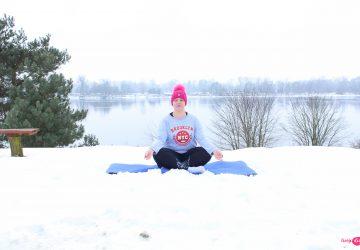 ćwiczyć jogę