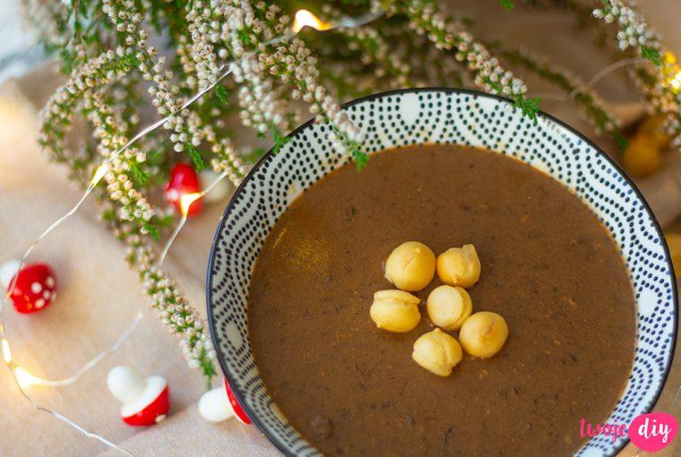 zupa grzybowa z leśnych grzybów